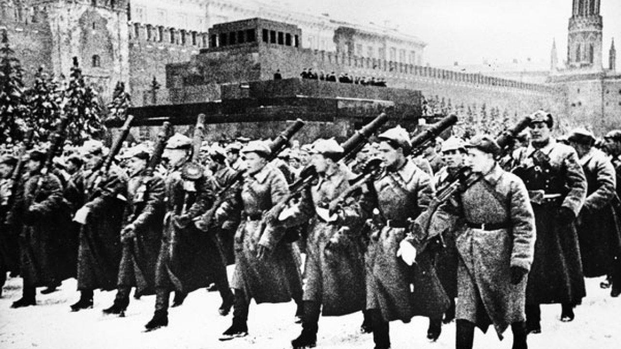 Парад 7 ноября 1941